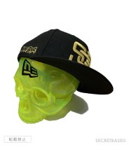 画像1: SBG New Era 9FIFTY × SECRETBASE 1/1 SKULL HEAD CLEAR YELLOW SET (1)