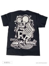 画像2: RAT FINK x SECRETBASE POCKET T-SHIRTS BLACK (2)